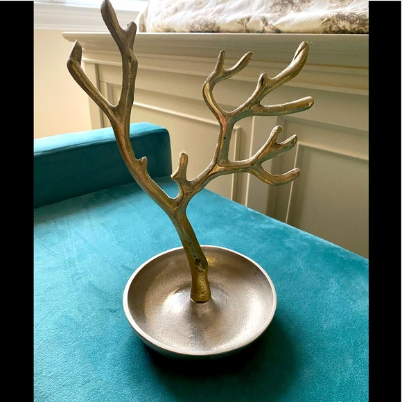 Gold and silver jewelry tree
